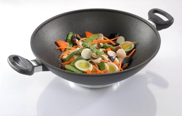 GERTI GUNDEL plasma titanový wok 28 cm s poklicí