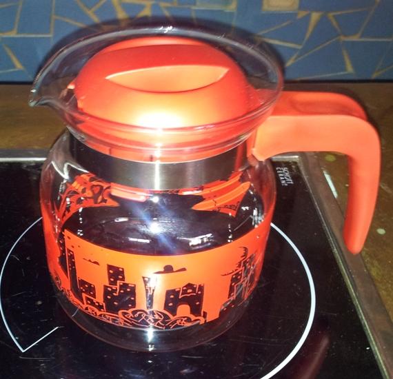 skleněná konvice na čaj SIMAX červená 1,0 l AKCE